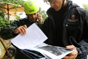 Tecnici della Protezione Civile durante i soccorsi nelle zone del Centro Italia colpite dal terremoto del 24 08 2016