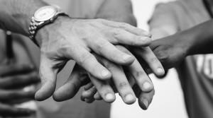 sostenere-mani