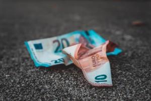 denaro-buttato