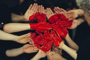 cuore-di-mani-insieme