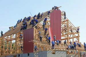 casa-di-legno-in-costruzione